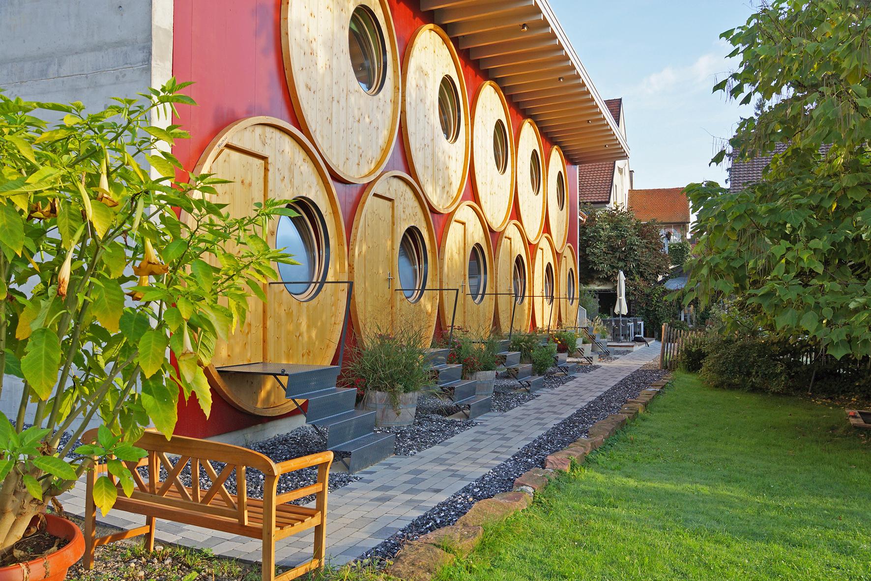 Weinfass hotel r edi fasstastische ferien in trasadingen for Besondere hotels
